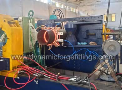 Hot induction pipe bending machine