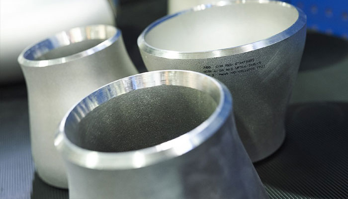 Ready stock of Nickel Pipe Fittings